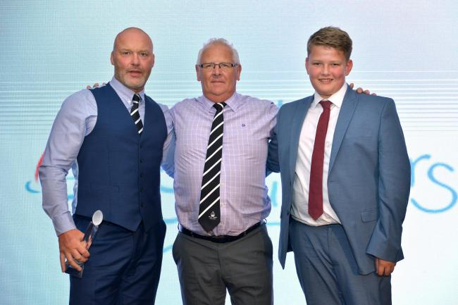 Veseyans win National Rugby Award