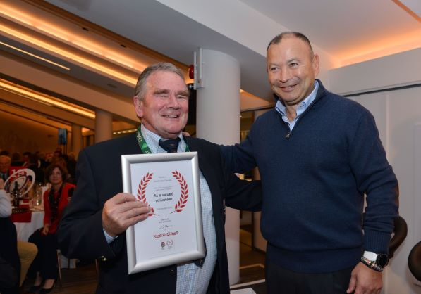 Dave Thomas honoured by RFU
